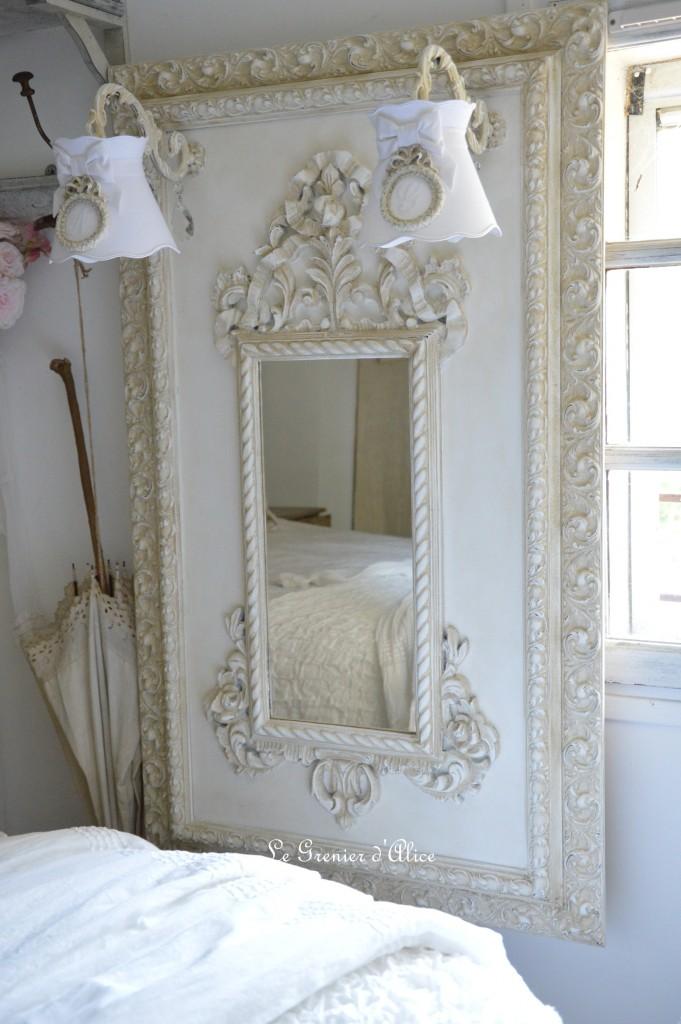 Miroir pour une entr e romantique et shabby chic le for Miroir blanc romantique